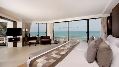 Each suite in Cape Panwa Hotel offers guests generous amounts of space to unwind and relax in.