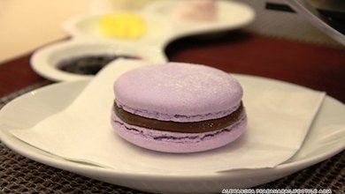 The macarons at Cafe Stelle are delicious especially when paired with a fragrant tea.