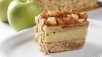 Grab a slice of this deliciously dense Gateau Cake at Ramah Tapah.