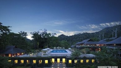 This escape in the rainforest of Langkawi is just the thing for a summer holiday.